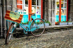 自転車と買い物のイメージ