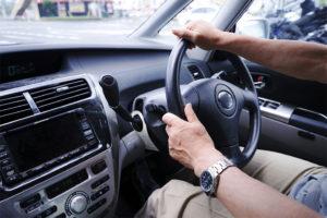 高齢者運転のイメージ