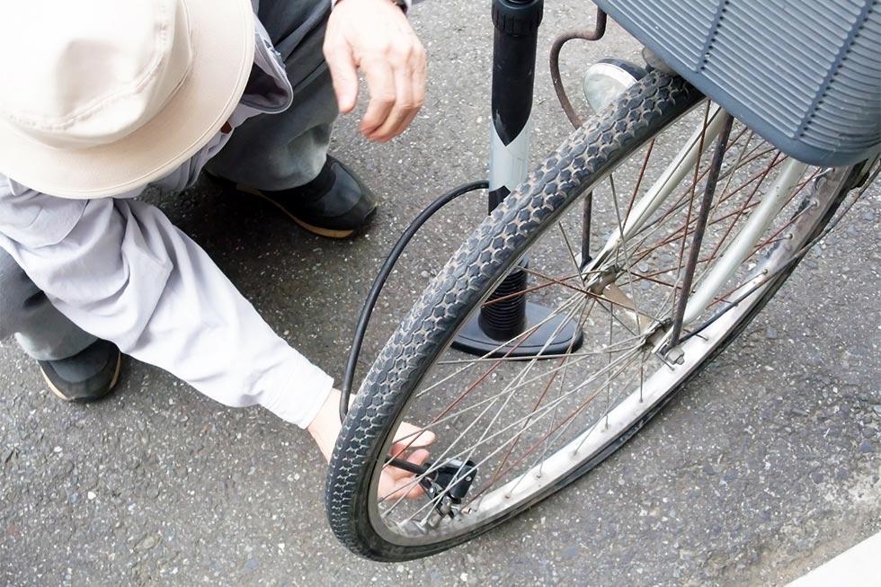自転車空気入れのイメージ